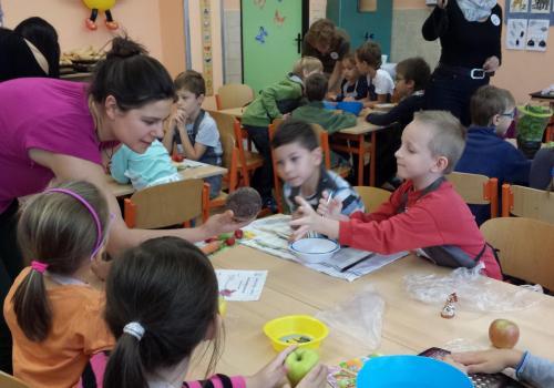 Cesta Zdravíkovem - třída 1.A -  Projektový den 14.10.2016